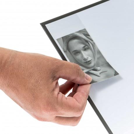 Porte Carte Adhésif - pour insérer de cartes format maxi 8.5 ( L )  x 5.5 ( h) cm - Franco  1  point france métropolitaine